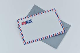 Un courrier, souvent en recommandé